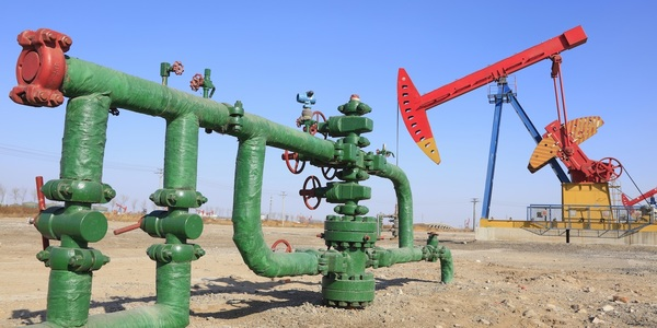 Large oildrill 06