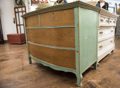 Medium life home old furniture 9 p
