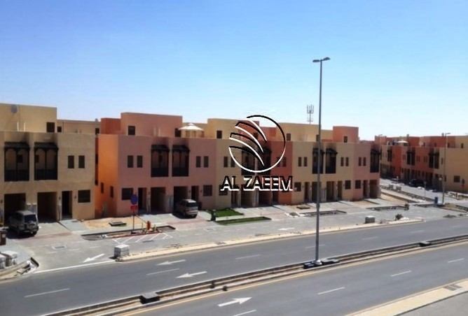 Three bedroom villa in Hydra Village Zone 7 now available.