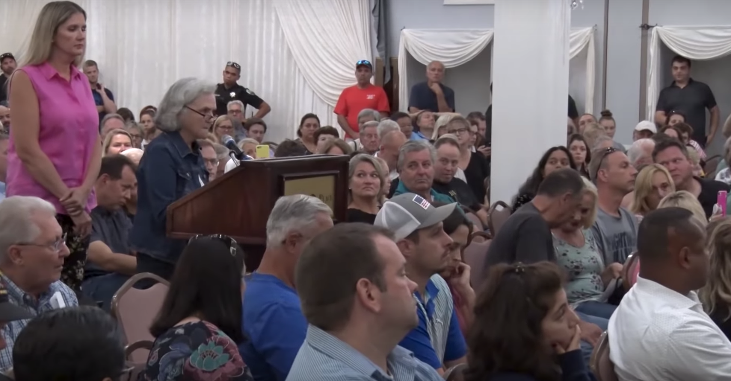 An Aug. 29 EPA town hall in Willowbrook over its claim that unsafe levels of a chemical were in the community's air. The EPA announced Wednesday that it botched the measurements and its report was false.