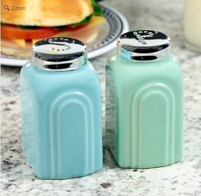 1950s Salt and Pepper Shakers in Blue and Green.