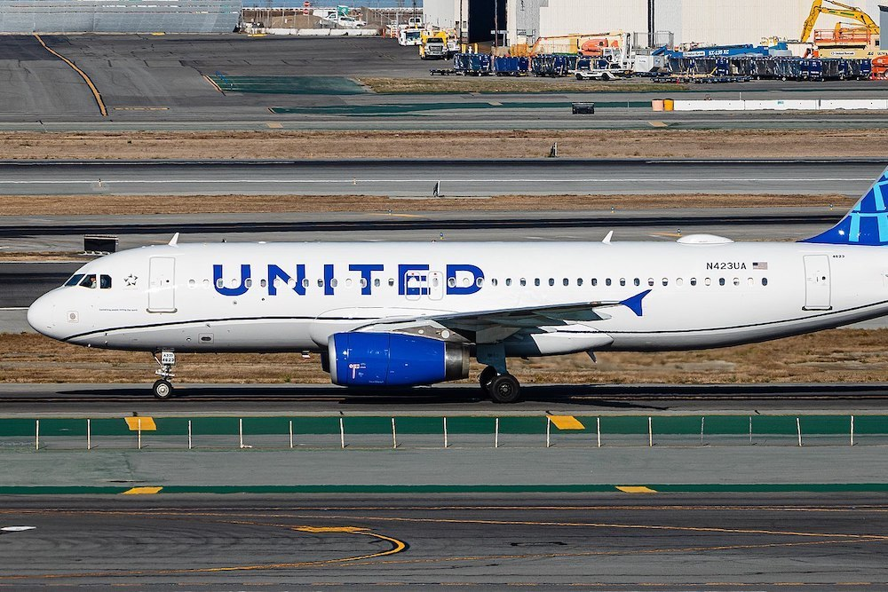 1600px united airlines a320 in the new livery
