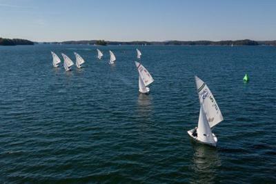 Medium sailing