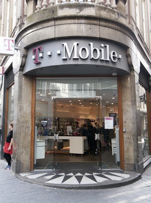 how to file a complaint against t mobile employee
