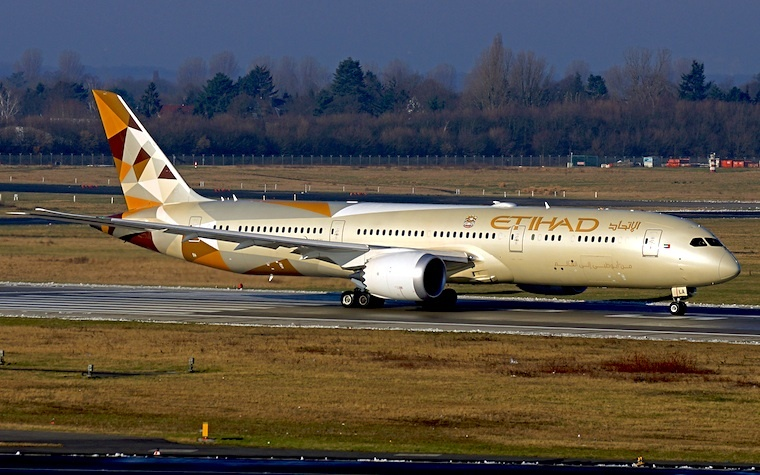 Boeing Co. and Oman Air ready to produce Dreamliner 787.