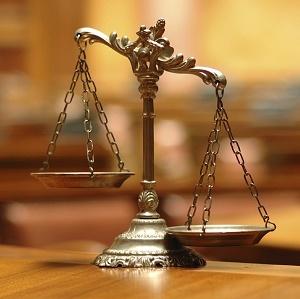 Justicescales300