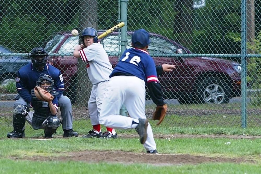 Baseball pitch 1000x667