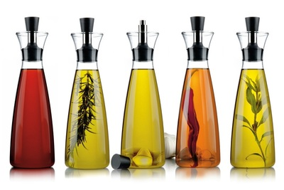 Oil & Vinegar is a European-style shop offering gourmet packaged foods.