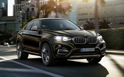 The 2015 BMW X6 is the second generation of this model.