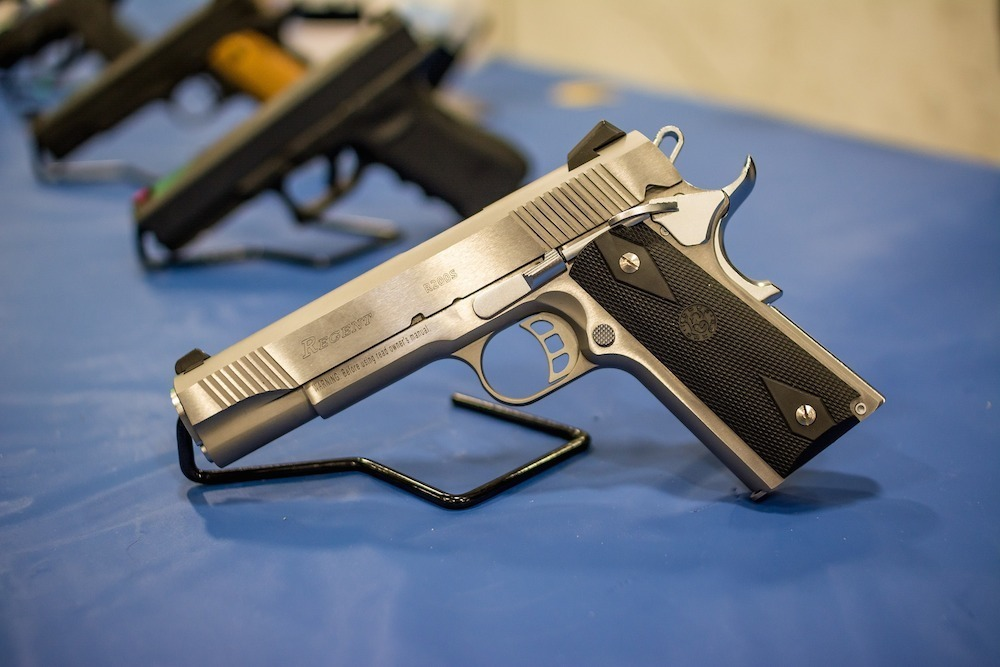 Guns(1000)