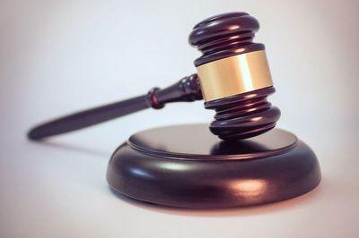 Medium legal gavel  27571702173