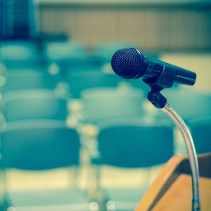 Medium speakingpodium