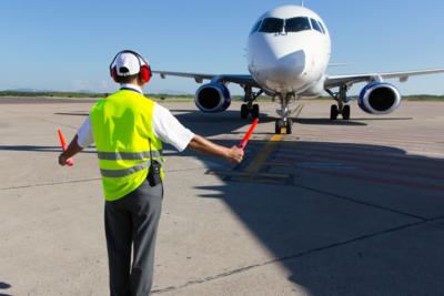 Medium airplaneairporttaxi145