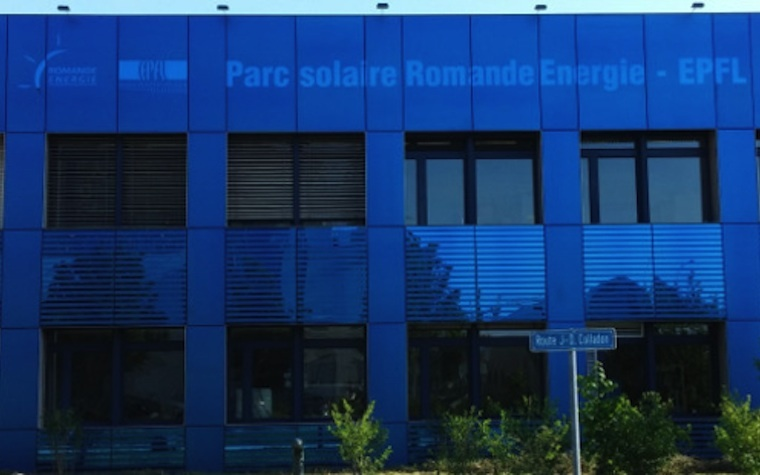 The first Kromatix colored solar panels were recently installed on a building façade in Lausanne, Switzerland.