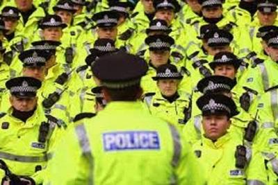 Medium policemen