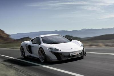 2016 McLaren 675LT features more power for the driver and more impressive performance.