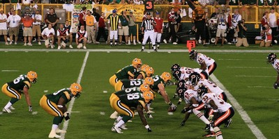 Medium 1280px bears v packers 02