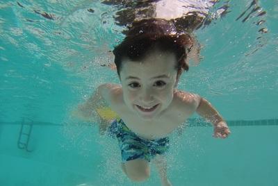 Medium swimming