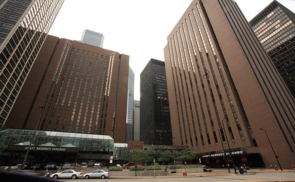 Hyatt regency chicago   wacker drive (3671101092)
