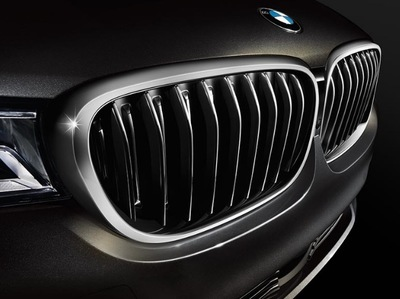 The iconic grille adorns the front of the BMW 7 Series.