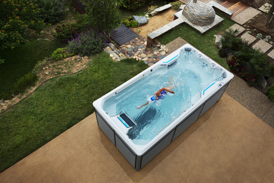 Outdoor hot tubs can now become exercise centers with increasingly popular