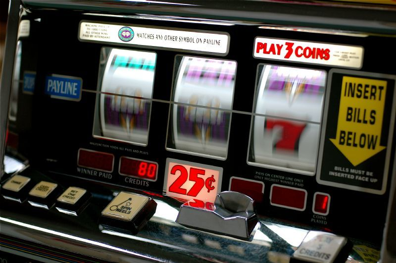 Penn National Gaming set to acquire Illinois video game operator.