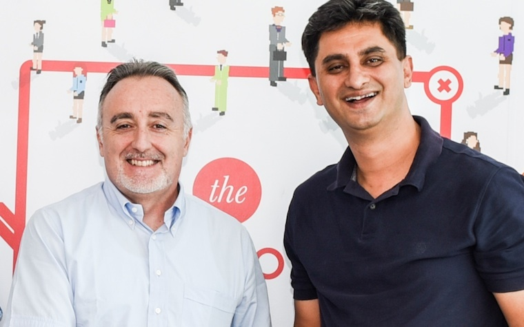 Mindware General Manager Mario Gay, left, with 3i Infotech President-EMEA Ashish Dass