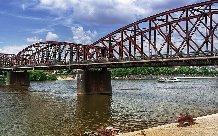 Michigan bridge repairs will begin this month and are expected to be completed by August 2016.