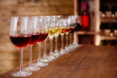Medium wine tasting