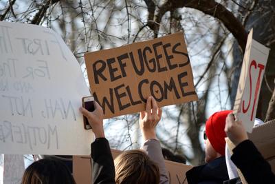 Medium refugee welcome