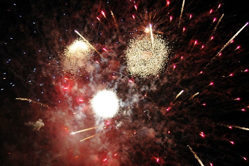 Fireworks 1000x667