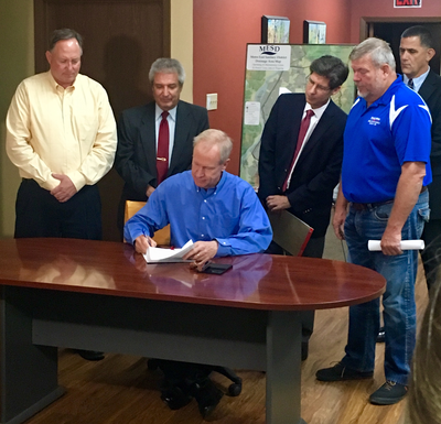 Rauner vetoes SB2368 at MESD offices on Tuesday.