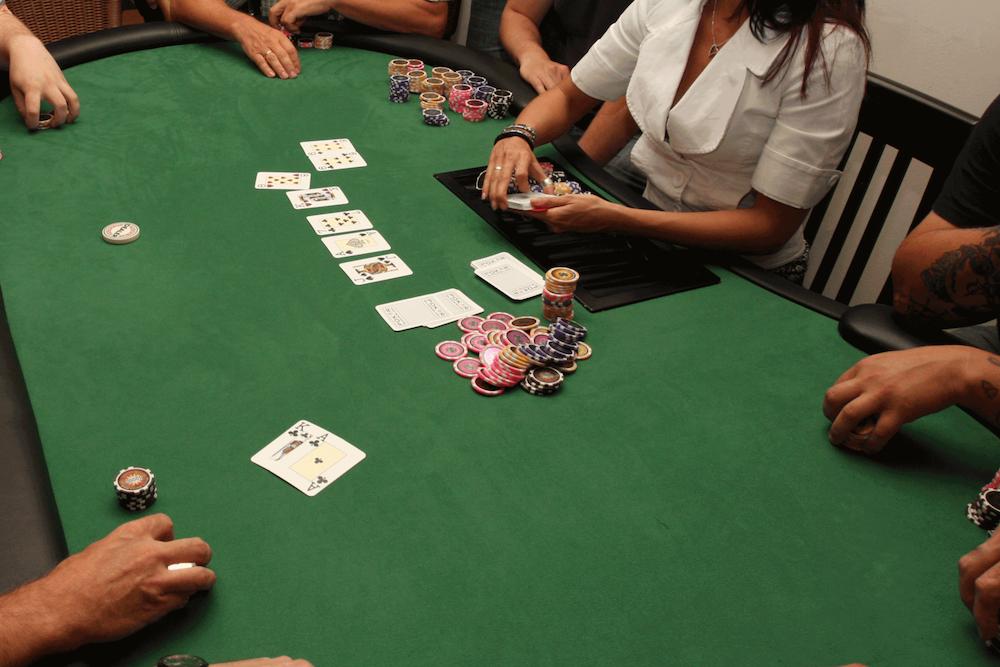 1600px poker 01