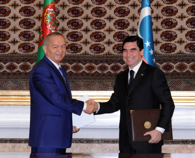 Uzbekistan President Islam Karimov, left, with Turkmenistan President Gurbanguly Berdimuhamedov