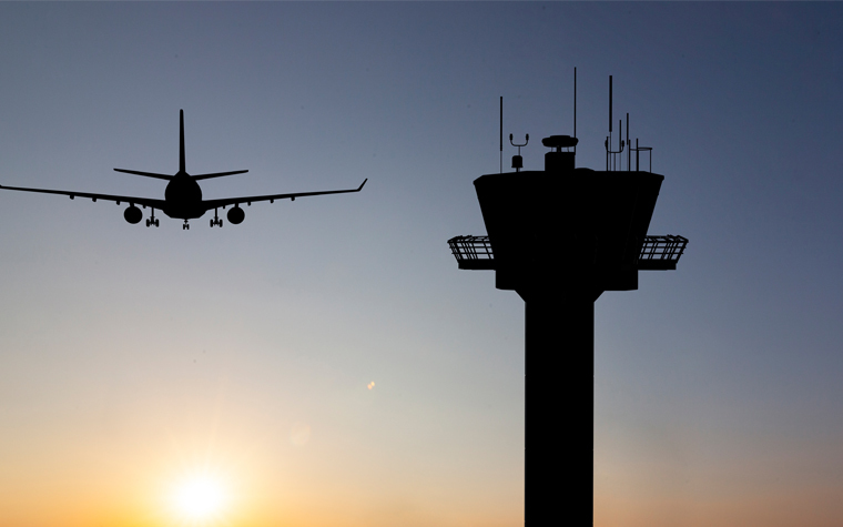 The House has approved a third-party corporation's working with the national air traffic control system.