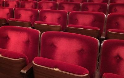 Medium movie theater