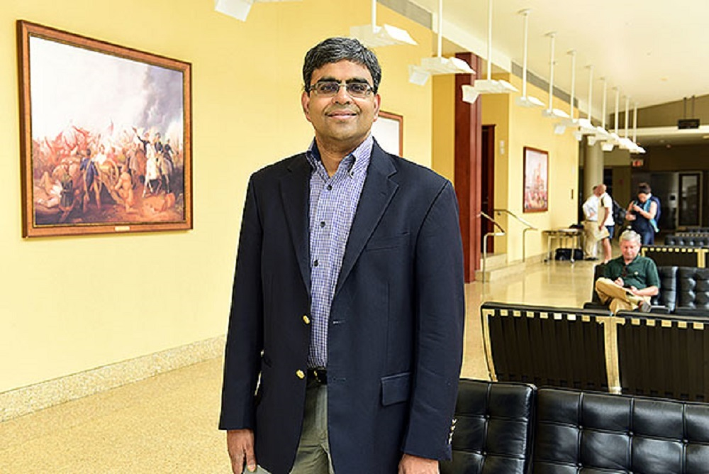 Gans Narayanamoorthy co-authored