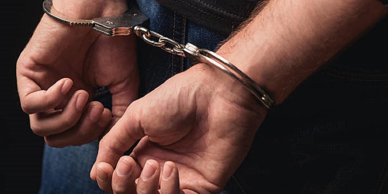 Former state senator sues sheriff'