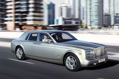 The length of the Phantom gives the passengers and driver alike plenty of leg room.