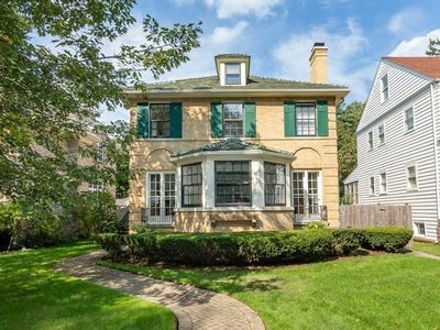 The home for sale at 240 Linden Ave. in Wilmette had a property tax bill of $17,593 in 2016.