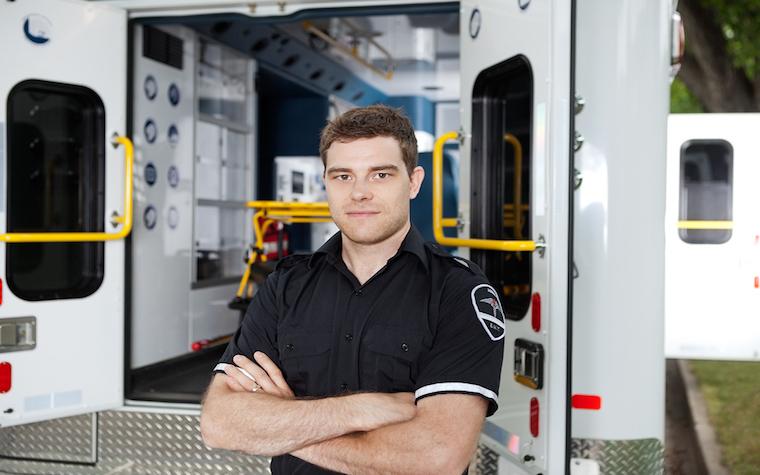 Kinzinger implements veteran EMT bill.
