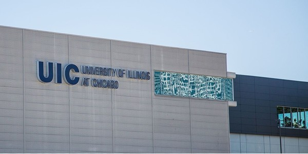 Large university of illinois at chicago