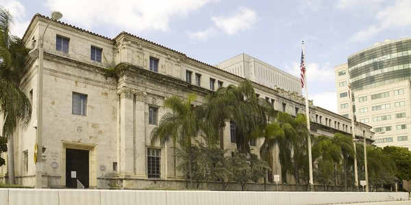 Large fla dyer federal building miami
