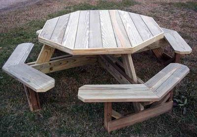 Octagonal picnic tables are gaining in popularity, partly because they make it easier to sit down at the table or to move away.