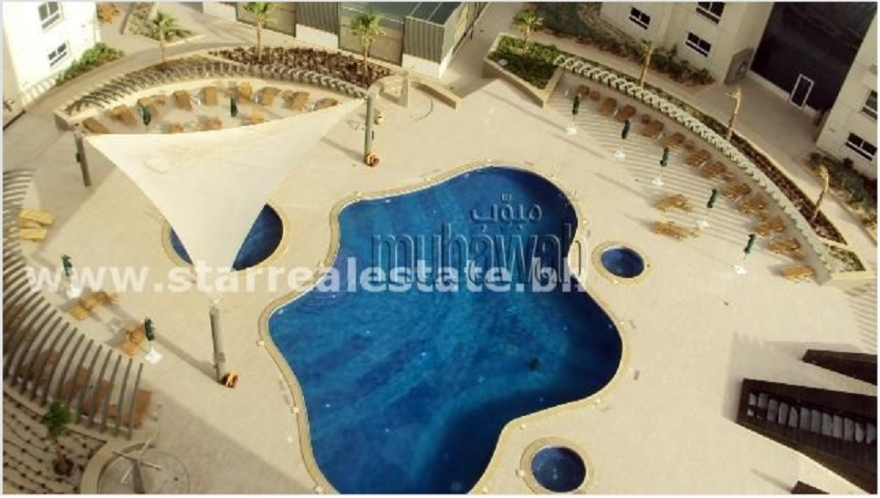 A four bedroom apartment in Abraj al Lulu comes with the use of this swimming pool.