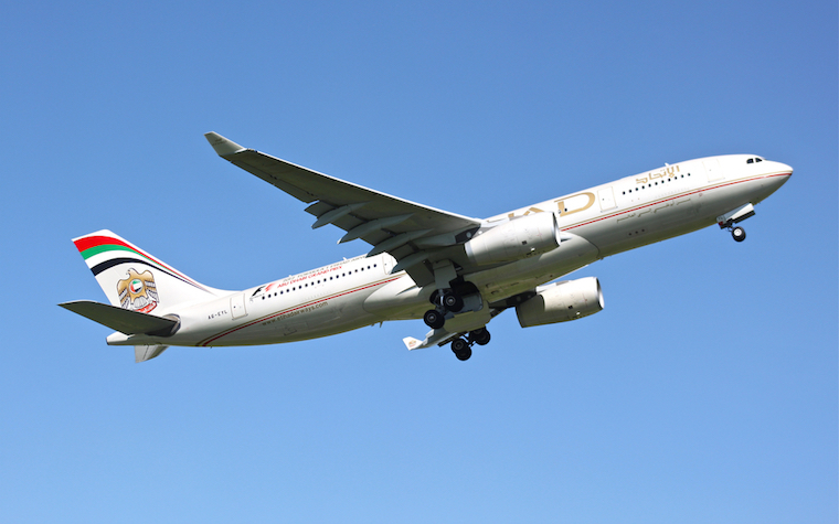 Etihad Airways named best airline for business class passengers at TTG Travel Awards