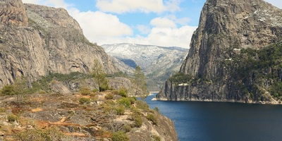 Hetch Hetchy reservoir in northwestern Yosemite