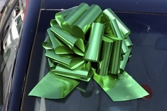 Giant gift bow for cars
