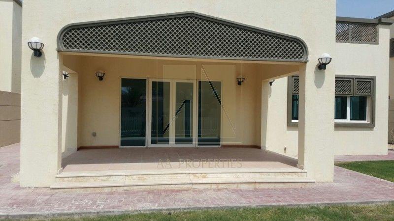 A four bedroom, six bathroom villa is available in Jumeirah Park.