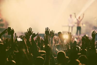 Medium shutterstock outdr concert crowd hazy